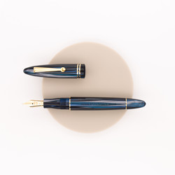 Leonardo Officina Italiana Furore Fountain Pen Abyss Celluloid