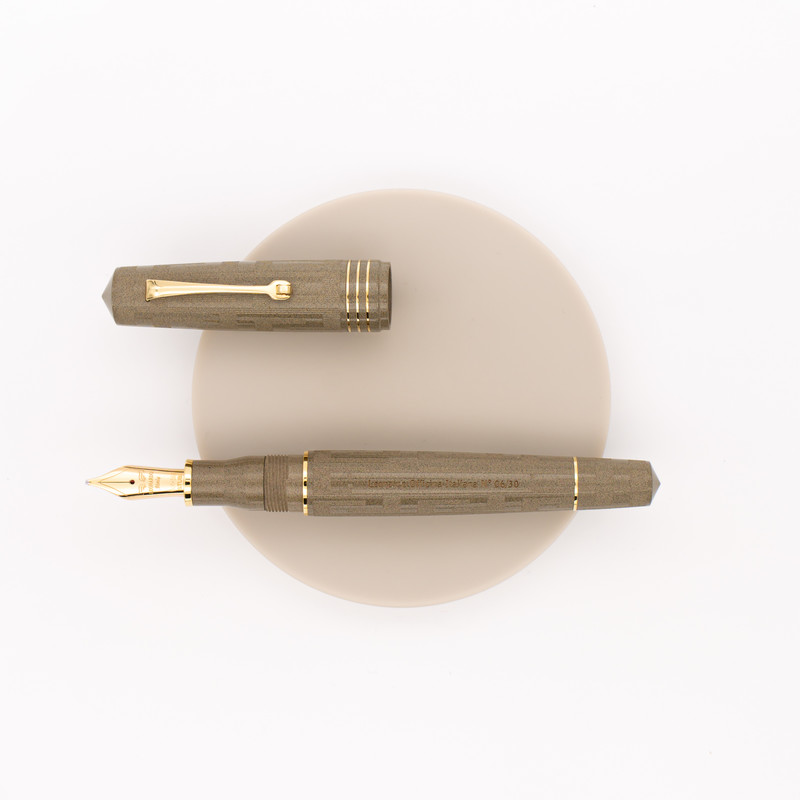 Leonardo Momento Zero Grande Art Déco Fountain Pen Sand Ebonite
