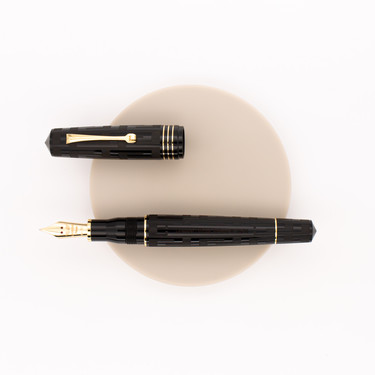 Leonardo Momento Zero Grande Art Déco Fountain Pen Black Ebonite