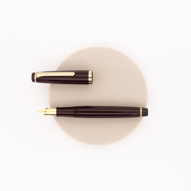 Sailor Lecoule Fountain Pen Ruby Red & Gold