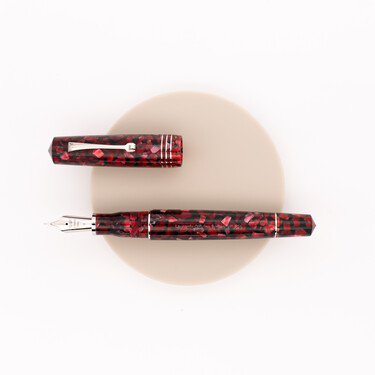Leonardo Officina Italiana Momento Zero Grande 2020 Fountain Pen Red Moon
