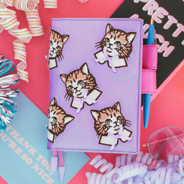 Hobonichi Techo Planner A6 Candy Stripper: Spruced-up Cat (Lilac) Set Cover + 2021 Diary