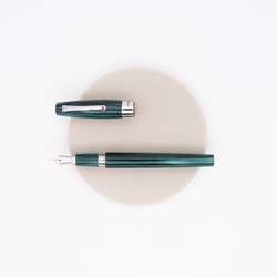 Montegrappa Felicità Fountain Pen Forest Green