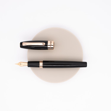 Montegrappa Fortuna Fountain Pen Black Rose Gold