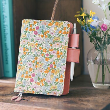 Hobonichi Techo Planner A6 Liberty Fabrics: Poppy Forest Set Cover + 2022 Diary
