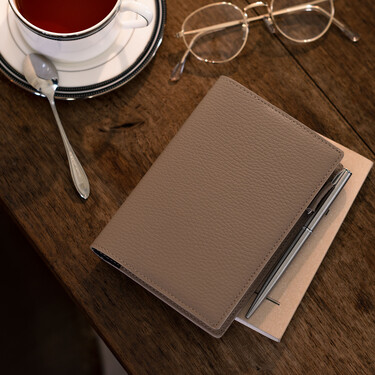 Hobonichi Techo Planner A6 Leather: Taut (Beige & Navy) Set Cover + 2022 Diary