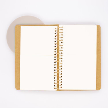 Traveler's Company Spiral Ring Notebook A6 Slim Tasche in Carta