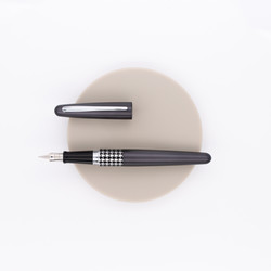 Pilot Metropolitan Retro Pop Fountain Pen Black