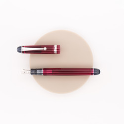 Pilot Custom 74 Penna Stilografica Transparent Wine Red
